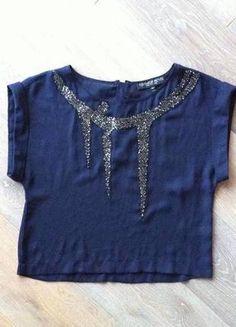 Kupuj mé předměty na #vinted http://www.vinted.cz/damske-obleceni/topy-and-tank-topy-bez-rukavu/10465790-elegantni-zdobeny-top