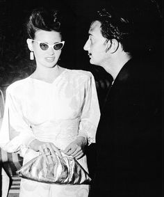 Gloria Vanderbilt and salvador Dali at his surrealist ball in 1941