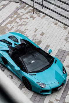 "airemoderne: ""  Turquoise Aventador by Monique Song  Part 3 / 3 … … … [part 1 & 2] Robbie Dickson's special order Aventador. Turquoise color from factory. Only one in the world. Afficher davantage """