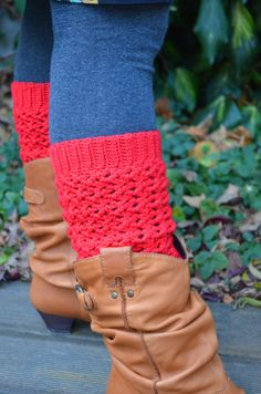 This design is lovely ---- Crochet pattern  lacy leg warmers by vicarno on Etsy, €3.00