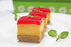 The Custard Jelly Tart Recipe is a classic simple tricolored delicacy that was a childhood favorite dessert. Pudding Desserts, Jelly Desserts, Custard Desserts, Köstliche Desserts, Delicious Desserts, Dessert Recipes, Jelly Tart Recipe, Baked Egg Custard, Custard Pudding