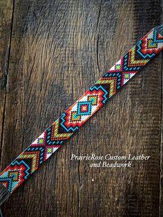 Loom Bracelet Patterns, Bead Loom Bracelets, Bead Loom Patterns, Bead Jewellery, Beaded Jewelry, Beaded Hat Bands, Bead Loom Designs, Native Beading Patterns, Leather Jewelry Making