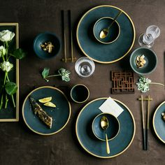 Ceramic Gold Inlay Plates Steak Food Dish Nordic Style Retro Tableware Bowl Ins Dinner Plate Cup High End Dinnerware Set – Tableware Design 2020 Nordic Chic, Nordic Style, Green Dinnerware, Asian Dinnerware Sets, Dinnerware Ideas, Modern Dinnerware, Teller Set, Ceramic Tableware, Porcelain Dinnerware