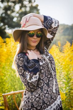 #seniorphotos #fallfashion #festivalfashion #fieldphotography #goldenlight #floppyhat #autumn #northga #northgamountains #seniorportraits #modeling #85mm #canon #hippie #sunglasses #bohemian #bohochic #urban