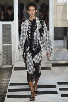 #AntonioMarras  #fashion  #Koshchenets Antonio Marras Spring 2017 Ready-to-Wear Collection Photos - Vogue