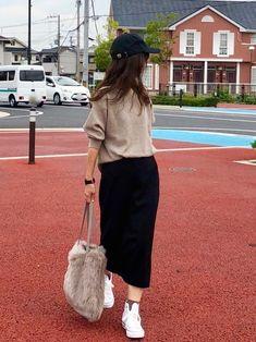 Korean Street Fashion - Life Is Fun Silo Long Skirt Fashion, Long Skirt Outfits, Pencil Skirt Outfits, Winter Skirt Outfit, Pencil Dresses, Simple Outfits, Chic Outfits, Fashion Outfits, Uniqlo Skirts