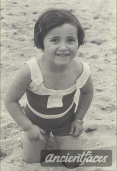 Nicole Blum Nationality : Jewish Residence : Boulogne Department Pays de La Loire, France Death : November 22, 1943 Cause : Murdered in Auschwitz ( buried in Auschwitz death camp ) Age : 10 years