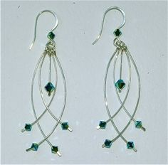 CURVED WIRE EARRING (1-28-14)