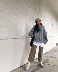 outfit plus size Korean Outfits, Mode Outfits, Retro Outfits, Cute Casual Outfits, Fashion Outfits, Korean Street Fashion, Asian Fashion, Look Fashion, Korean Girl Fashion
