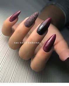 2018 - - - Alles ist da MTVEMA 2018 - -MTVEMA 2018 - - - Alles ist da MTVEMA 2018 - - Easy, elegant and classy winter nails to celebrate Christmas and winter in general! Check out our best winter nail designs 34 winter nails design you must try page 22 Cute Acrylic Nails, Cute Nails, Pretty Nails, Fancy Nails, Plum Nails, Red Nails, Burgundy Nails, Dark Nails, Dark Color Nails