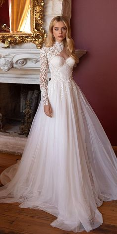 36 Lace Wedding Dresses That You Will Absolutely Love ❤ lace wedding dresses sweetheart neckline with sleeves ellybride #weddingforward #wedding #bride Wedding Dress Gallery, Kinds Of Fabric, Different Styles, Lace Detail, Headpiece, Looks Great, Chiffon, Flower Girl Dresses, Bride