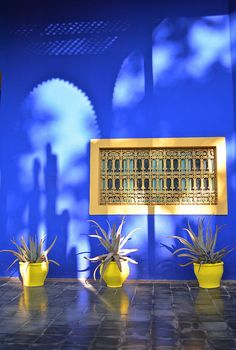 Moroccan Colors, Moroccan Blue, Moroccan Decor, Moroccan Style, Jardim Majorelle, Art Marocain, Moroccan Garden, Blue Aesthetic, Blue Walls