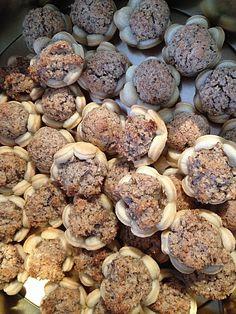 Blumen - Kekse mit Haselnussfülle, ein raffiniertes Rezept aus der Kategorie Kekse & Plätzchen. Bewertungen: 46. Durchschnitt: Ø 4,4.