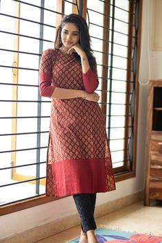 Casual Dress Outfits, Stylish Dresses, Sleeves Designs For Dresses, Dress Designs, Simple Kurta Designs, Casual Indian Fashion, Long Dress Design, Churidar Designs, Kurta Neck Design