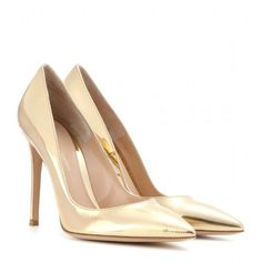Gianvito Rossi Metallic Leather Pumps (3.985 HRK) ❤ liked on Polyvore featuring shoes, pumps, heels, high heels, chaussures, gold, leather high heel shoes, genuine leather shoes, metallic pumps und high heel shoes: