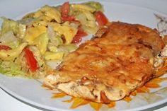 Zapekané rezne sú pre mňa chutnejšou verziou klasických vysmážaných kusov mäsa. Takto pripravené zostanú mäkké a šťavnaté. - TRNAVSKÝ HLAS - Trnava a okolie naživo Meat Recipes, Cooking Recipes, Healthy Recipes, Russian Recipes, Ham, Seafood, Easy Meals, Food And Drink, Menu