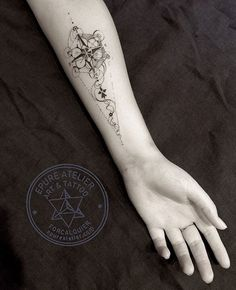 "Geometric Tattoo - Image search result for & geometry labyrinth tattoo… - nice Geometric Tattoo – Image search result for ""sacred geometry labyrinth tattoo … - Labyrinth Tattoo, Kunst Tattoos, Body Art Tattoos, Tattoos For Guys, Tattoos For Women, Geometric Compass, Tattoos Geometric, Sacred Geometry Tattoo, Tattoo Hals"