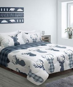 Bring woodsy warmth to your bedroom with this luxe comforter set crafted from supersoft microfiber. A nature-inspired design adds rustic charm to your spread. Plaid Comforter, Comforter Sets, White Plaid, Blue And White, Lodge Look, Cozy Cottage, Cozy Bed, Quilt Sets, Rustic Chic
