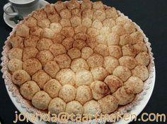 Maak deze lekkere Limburgse vlaai - Jolanda's moppenvlaai - zodat je zal genieten van een geheim recept boordevol perfecte chantilly room en banketbakkersroom. Kinds Of Desserts, No Bake Desserts, Delicious Desserts, Cupcakes, Cake Cookies, Dutch Kitchen, Afternoon Tea, Apple Pie, Baking Recipes