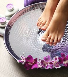 How To Do A Pedicure At Home Homemade Pedicure, Pedicure At Home, Manicure And Pedicure, Homemade Skin Care, Diy Skin Care, Natural Facial, Natural Skin, How To Do Pedicure, Homemade Stain Removers