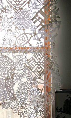 Nine Ways To Take Paper Snowflakes To The Next Level This Holiday Season   Apartment Therapy