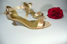 Sandálky - vanilkovozlatá satén, Veľ 40, Cena vo výpredaji 34,- Eur Kitten Heels, Sandals, Model, Shoes, Fashion, Slide Sandals, Moda, Shoes Sandals, Zapatos