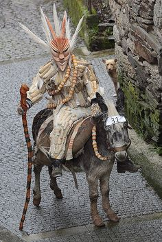 Lazarin, Portugal. Photo by Alfredo Miguel Romero. Armor of a Hunger cultist? Killing Isles priest?