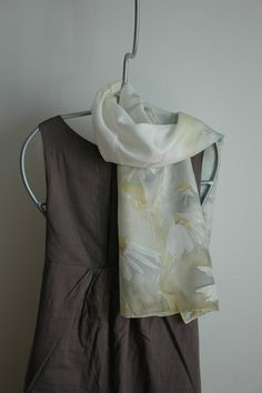 delikatne szale do prostej sukienki