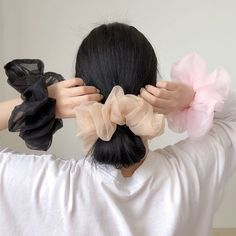 Diy Hair Scrunchies, Ponytail Girl, Enjoy The Little Things, Accesorios Casual, Elastic Hair Bands, Fancy Party, Diy Hair Accessories, Silk Organza, Ponytail Holders