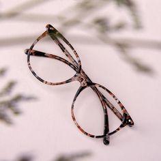 Women's Eyeglasses - Area in Rose | BonLook Glasses Frames Trendy, Fake Glasses, New Glasses, Dior Eyeglasses, Eyeglasses For Women, Bon Look, Glasses Trends, Lunette Style, Round Lens Sunglasses