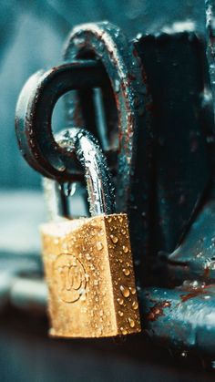 Close-Up Photography of Wet Padlock · Free Stock Photo Rain Photography, Close Up Photography, Creative Photography, Amazing Photography, Photography Ideas, Best Wallpapers Android, Cute Wallpapers, Iphone Wallpapers, Iphone Pics