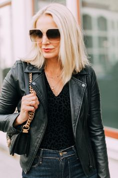 Not sure how to find the perfect wardrobe basics. look no further! Breaking down what to look for when searching for winter & fall outerwear and bags! Nyc Girl, City Girl, Fall Wardrobe Basics, Perfect Wardrobe, Busbee Style, Leather Jacket Outfits, Leather Jackets, All Black Outfit, Black Outfits