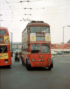 A collection of historical colour slides of trolleybuses in the Croydon Area Vintage London, Old London, London Transport, Public Transport, Bedford Buses, Custom Choppers, Custom Motorcycles, Routemaster, Buses And Trains