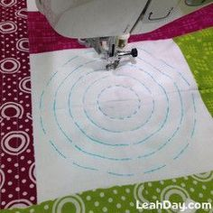 Hide Your Threads Kit 2019 Machine Quilting Circles for Beginners The post Hide Your Threads Kit 2019 appeared first on Weaving ideas. Beginner Quilt Patterns, Machine Quilting Patterns, Quilting Templates, Quilting For Beginners, Quilt Patterns Free, Quilting Tutorials, Quilting Projects, Machine Embroidery, Sewing Projects