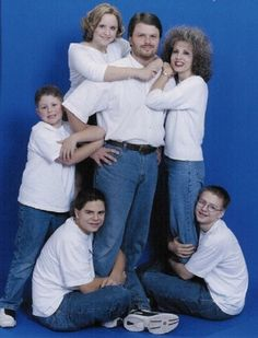 18 Awkward Family Photos That Should Have Never Been Taken | ViralWorld.net | Page 17