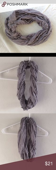 Gray scarf Gray scarf. Pre-owned, great condition. Used once or twice. 100% viscose. Length: 3 ft. Great for layering with casual or formal wear. Van Heusen Accessories Scarves & Wraps