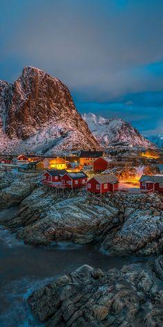 10 Most Breathtaking European Small Towns - REINE, Lofoten Norway