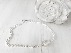 Solid sterling silver chain bracelet - 925 cable chain - Chain bracelet with floral charm - Charm bracelet - Nature ornament bracelet Gold And Silver Bracelets, Cheap Silver Rings, Silver Rings With Stones, Silver Jewelry, Charm Jewelry, Jewelry Sets, Unique Jewelry, Jewelry Bracelets, Silver Earrings Online