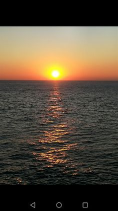 Beautiful, high quality pictures involving the sea or sea life. Sea Photo, Internet, Celestial, Sunset, Outdoor, Outdoors, Sunsets, Outdoor Games