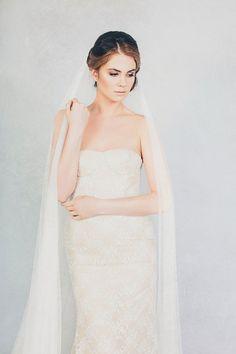 Elizabeth Stuart Bella and Soft Tulle Long Veil strapless wedding dress