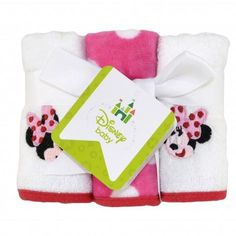 Bathtime is bonding time for you and your little girl. This Minnie Mouse washcloth set is soft on Baby's skin and delightfully sweet. Six washcloths are included in this adorable set – three patterned with pink and white polka dots and three solid white with Minnie Mouse embroidery. This 100% cotton set coordinates with the Minnie Mouse bath collection.