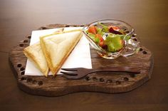 器と珈琲 Lien りあん のカフェメニュー: ホットサンド サラダ