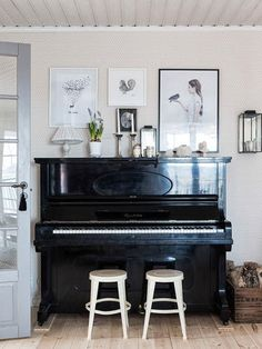 black 2 white stools