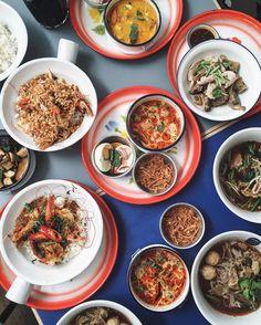 「 Thai Lunch Set  #thelocalcanteen #naradhiwas #silom #cafebkk #thaifoods 」