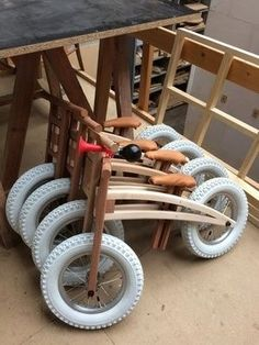 Wooden Balance Bikes by OlusDoD- Draisiennes en bois par OlusDoD Wooden Balance Bikes by OlusDoD on L& du Bois - Woodworking For Kids, Teds Woodworking, Woodworking Projects, Diy Wood Projects, Wood Crafts, Lathe Projects, Wood Bike, Bois Diy, Balance Bike