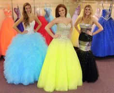 Affairs to Remember hosts prom fashion show