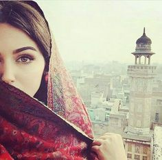All religions are considered a way of life, including religion Islam. We all know that Muslims are the believers of Islam. Girl Photo Poses, Girl Photography Poses, Girl Poses, Arabian Women, Arabian Beauty, Stylish Girls Photos, Stylish Girl Pic, Beautiful Hijab, Beautiful Eyes