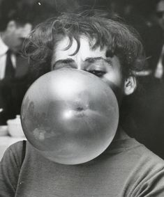 Weegee Wednesdays: Five Photos of People Blowing Bubbles Weegee Photography, Vintage Photography, Street Photography, Nude Photography, Portrait Photography, Black White Photos, Black And White Photography, Blowing Bubble Gum, Photo D Art