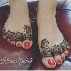 So Ni contact for henna services pls Ain,UAE Legs Mehndi Design, Leg Mehndi, Modern Mehndi Designs, Mehndi Design Pictures, Wedding Mehndi Designs, Mehndi Designs For Fingers, Dulhan Mehndi Designs, Beautiful Mehndi Design, Mehndi Designs For Hands
