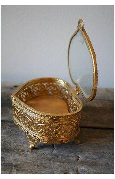 Jewellery Boxes, Jewelery, Jewellery Shops, Jewelry Stores, Cute Jewelry, Gold Jewelry, Silver Necklaces, Turquoise Jewelry, Initial Jewelry